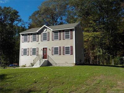 Naugatuck Single Family Home For Sale: 44 Warren Avenue