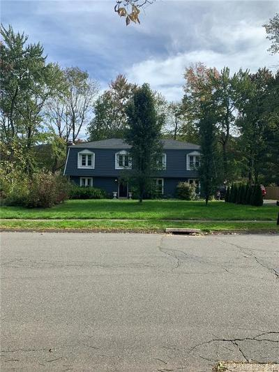 Southington Single Family Home For Sale: 89 Shweky Lane