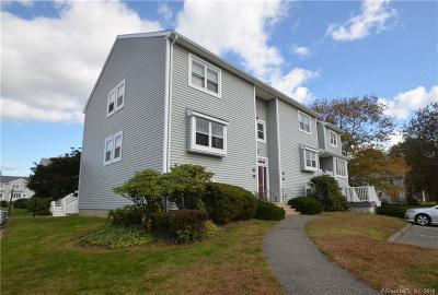 Milford Condo/Townhouse Show: 31 Carriage Drive #31