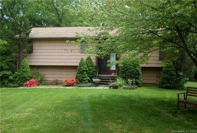 Hamden Single Family Home For Sale: 75 Deerfield Drive
