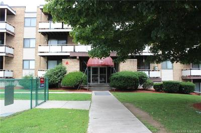 West Haven Condo/Townhouse For Sale: 155 Bull Hill Lane #S7