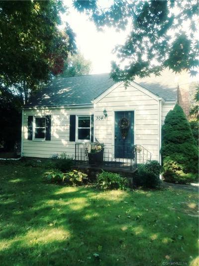 Norwalk Single Family Home For Sale: 304 West Cedar Street