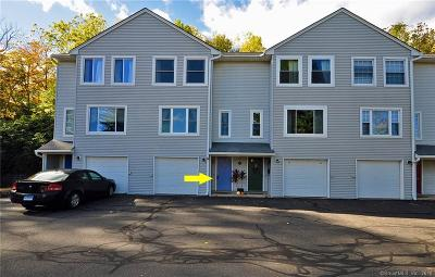 Middletown Condo/Townhouse For Sale: 115 Knowles Avenue #115