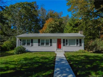 Ledyard Single Family Home For Sale: 18 Center Drive