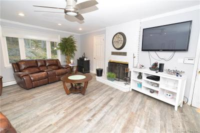 BROOKFIELD Single Family Home For Sale: 21 Kimberly Drive
