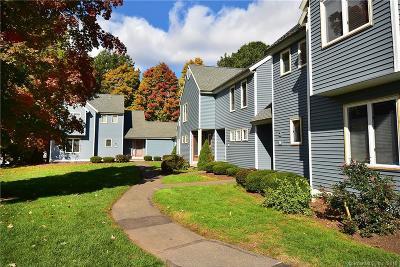 Newington Condo/Townhouse For Sale: 52 Rosemary Lane #52