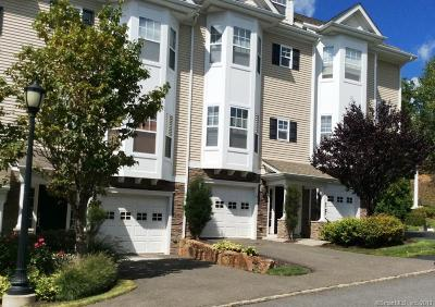 Middlebury Condo/Townhouse For Sale: 15 Ridgewood Drive