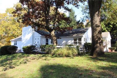 Hamden Single Family Home For Sale: 261 Blake Road