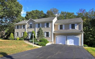 Trumbull Single Family Home For Sale: 105 Meadowview Drive