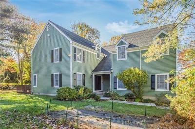 Stamford Single Family Home For Sale: 39 Fieldstone Terrace