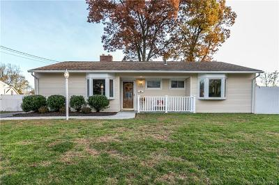 Stratford Single Family Home For Sale: 135 Hollywood Avenue
