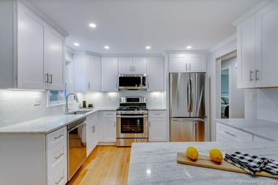 Branford Single Family Home For Sale: 20 Woodside Drive