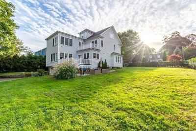 Stamford Single Family Home For Sale: 124 Ocean Drive East