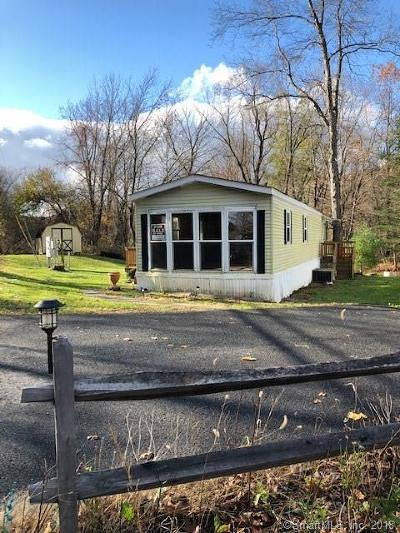 New Milford Single Family Home For Sale: 14 Candlewood Mountain Road
