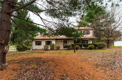 Simsbury Single Family Home For Sale: 16 Field Drive
