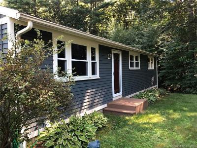 Simsbury Single Family Home For Sale: 76 Fernwood Drive