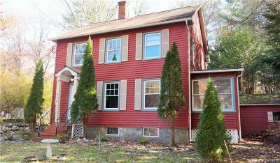 Torrington Single Family Home For Sale: 670 Norfolk Road