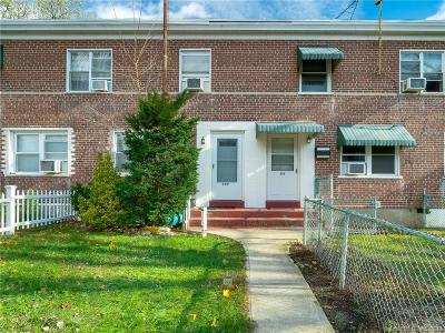 Bridgeport Condo/Townhouse For Sale: 397 397 Court D Bldg 51