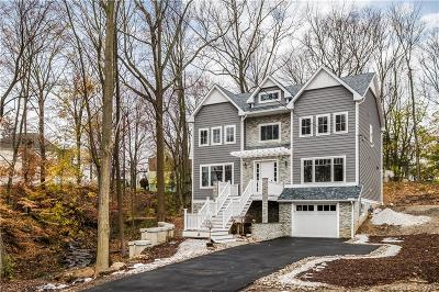 Trumbull Single Family Home For Sale: 66 Valley View Road