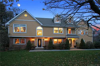 Fairfield County Single Family Home For Sale: 4 Coachmans Court