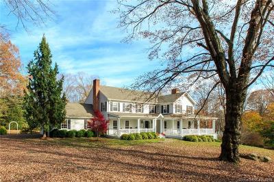 Fairfield County Single Family Home For Sale: 82 Arrowhead Trail