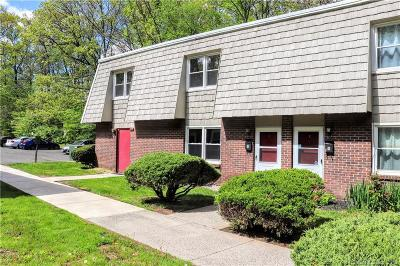 Branford Condo/Townhouse For Sale: 71 Dover Court #F