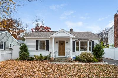 Darien Single Family Home For Sale: 26 Cherry Street
