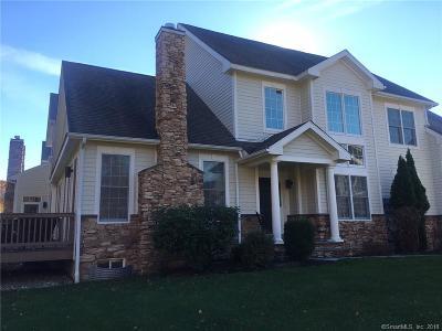Ridgefield Condo/Townhouse For Sale: 638 Danbury Road #38