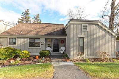 Southbury Condo/Townhouse For Sale: 96 Heritage Village #B