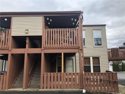 Naugatuck Condo/Townhouse For Sale: 701 Beacon Valley Road #12