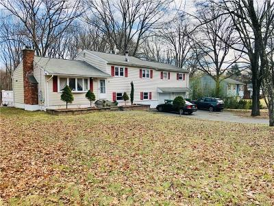 Danbury CT Single Family Home For Sale: $390,000