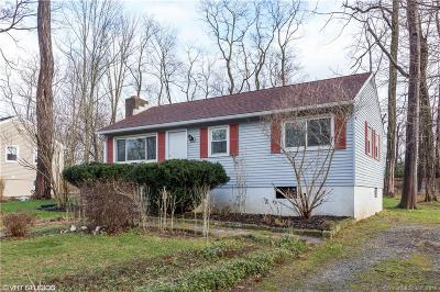 Ridgefield Single Family Home For Sale: 371 Bennetts Farm Road