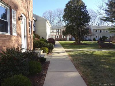 Hamden Condo/Townhouse For Sale: 24 East Gate Lane #24