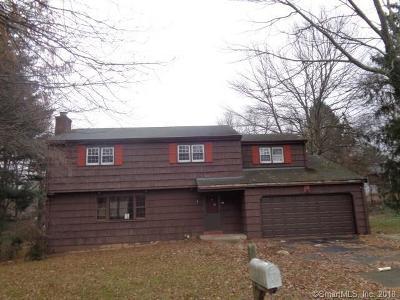 Meriden Single Family Home For Sale: 45 Meadow Way