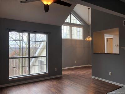 Middletown Condo/Townhouse For Sale: 166 Carriage Crossing Lane #166