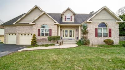 Middletown Single Family Home For Sale: 17 Alsace Terrace