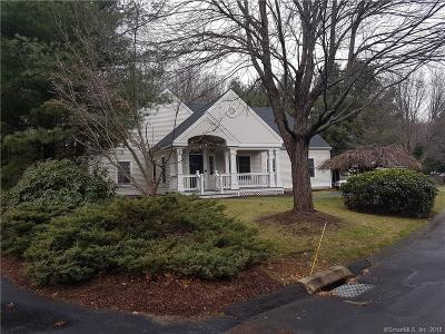 Middlebury CT Condo/Townhouse For Sale: $399,900