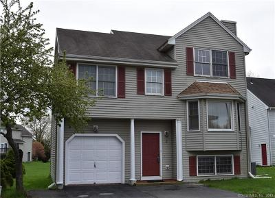 West Hartford Condo/Townhouse For Sale: 3 Nutmeg Court #3