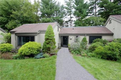 Southbury Condo/Townhouse For Sale: 965 Heritage Village #A