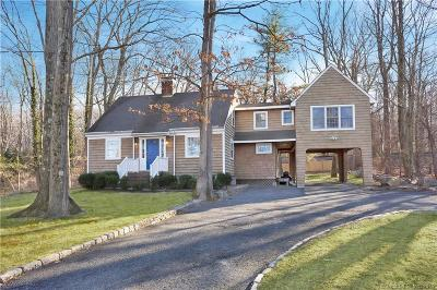 Darien Single Family Home For Sale: 441 Hoyt Street