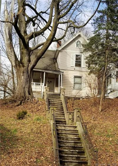 Waterbury Single Family Home For Sale: 61 Easton Avenue