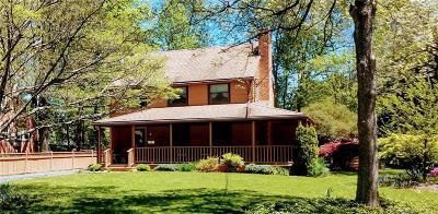 West Hartford Single Family Home For Sale: 24 Fernbel Lane