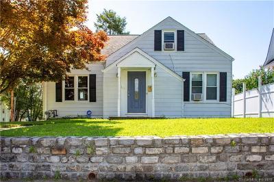 Bridgeport Single Family Home For Sale: 135 Jewett Avenue