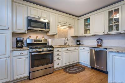 Washington Condo/Townhouse For Sale: 31 Quarry Ridge Road #31