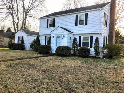 Waterford Single Family Home For Sale: 7 Great Neck Road