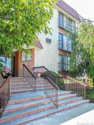 Stamford Condo/Townhouse For Sale: 300 Seaside Avenue #3F