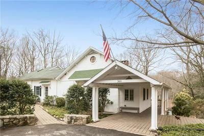 Stamford Single Family Home For Sale: 369 Briar Brae Road