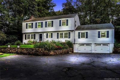 Fairfield County Single Family Home For Sale: 104 Laurel Ledge Road