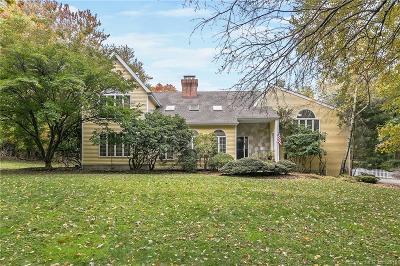 Norwalk Single Family Home For Sale: 35 Hilltop Road