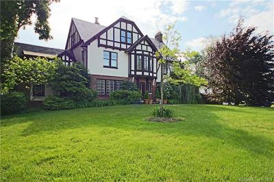 Bridgeport Single Family Home For Sale: 420 Brooklawn Avenue
